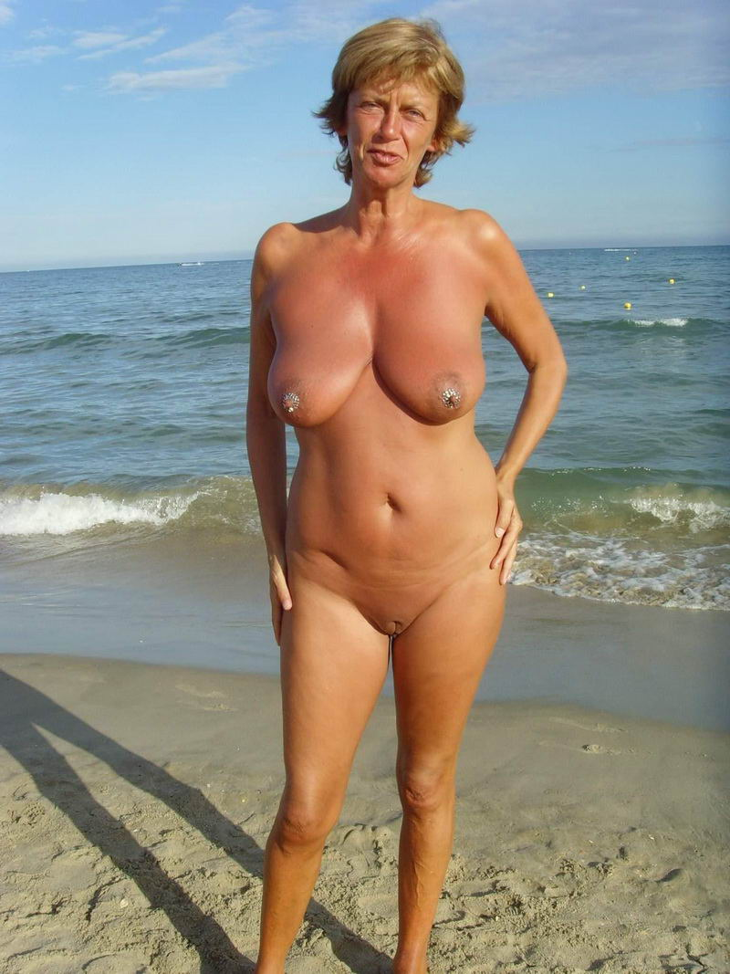 Good Mature naturist pics