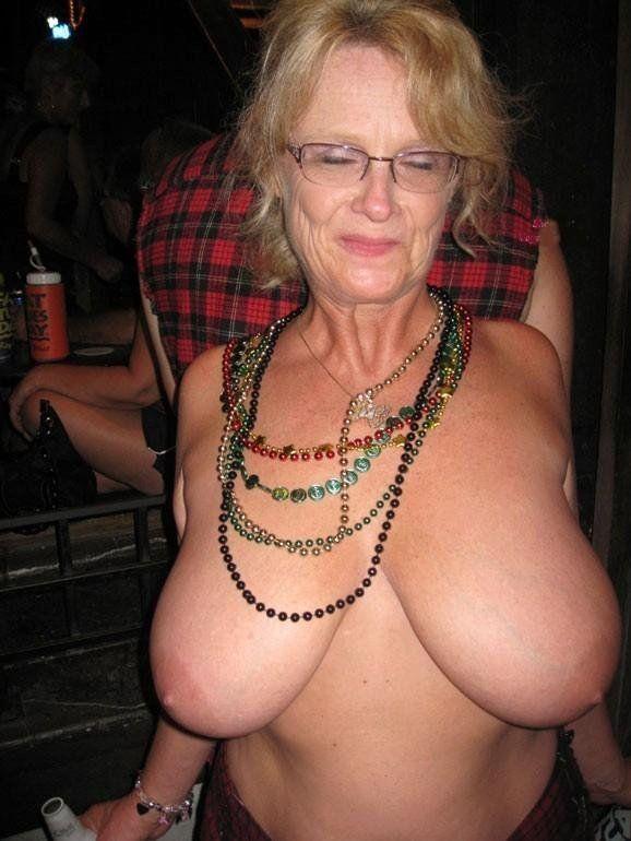 Womem with big tits