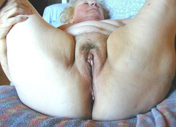 old mature amateur grannies that love being fullfilled with pleasure
