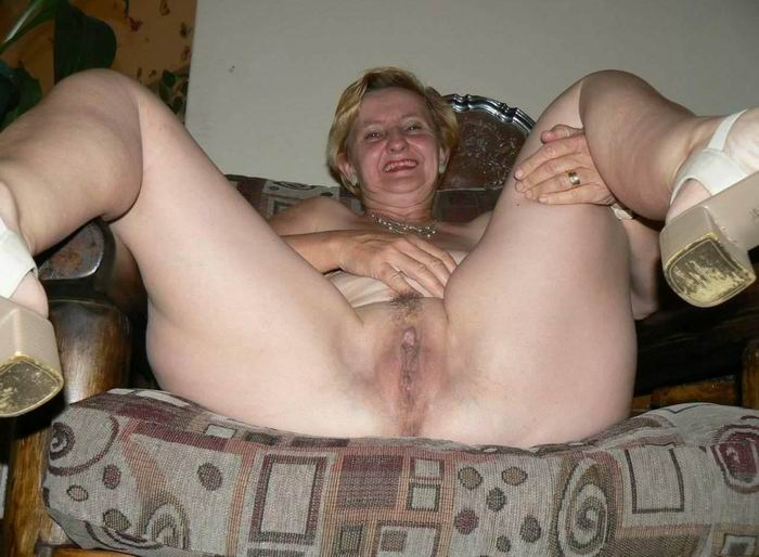 Naughty and chubby amateur housewife homemade fuck action 3